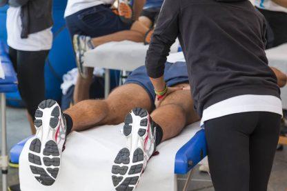Affidati alle mani di uno dei nostri esperti di massaggio sportivo e terapeutico per migliorare le tue performance atletiche e per risolvere disturbi legati a patologie osteoarticolari.