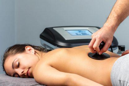 La tecarterapia o tecar è un trattamento elettromedicale capace di favorire la riparazione dei tessuti e di ridurre il dolore fin dalle prime sedute. Per informazioni è possibile rivolgersi alla segreteria di Kineia.